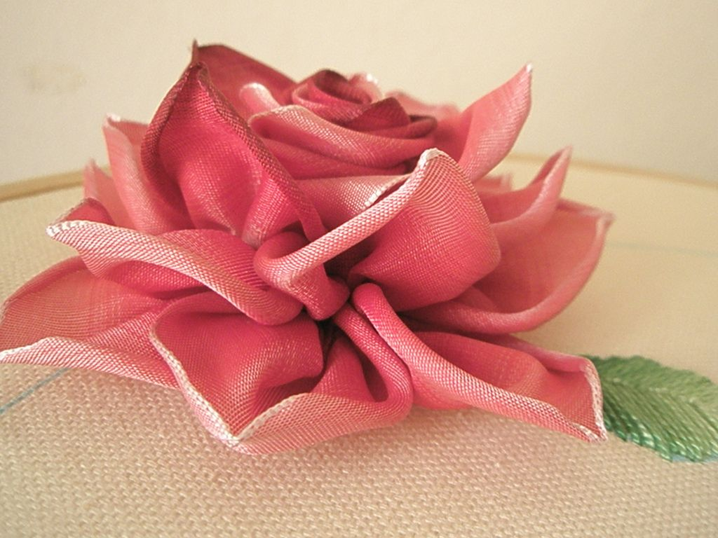 Ribbon Embroidery Roses Tutorial Google Search Ribbon Embroidery