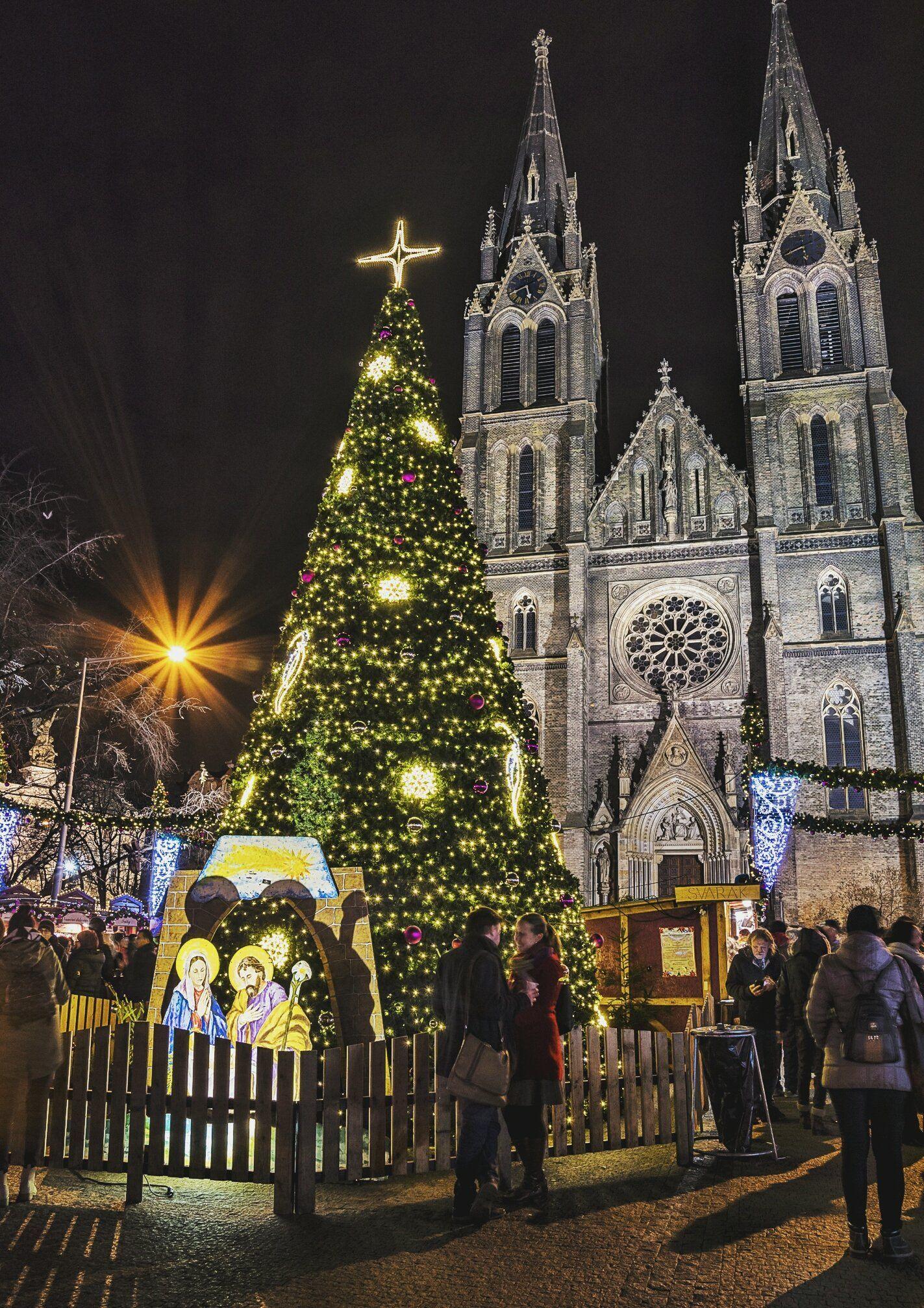 Prague Christmas Market Mega Guide 2020 A Very Merry Prague Xmas In 2020 Prague Christmas Prague Christmas Market Christmas Market