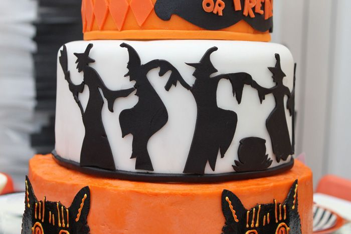 Halloweekend Countdown Spooky Supper Witch cake, Halloween - sweet 16 halloween party ideas