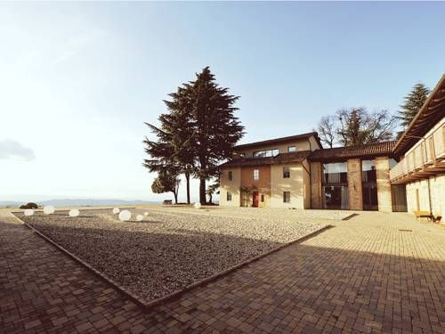 Cascina Langa Trezzo Tinella Offering free Wi-Fi throughout, Cascina Langa SPAce is a modern country house in Trezzo Tinella. It features a spa providing beauty treatments, massages and a Turkish bath, as well as yoga and pilates courses. #pilatescourses Cascina Langa Trezzo Tinella Offering free Wi-Fi throughout, Cascina Langa SPAce is a modern country house in Trezzo Tinella. It features a spa providing beauty treatments, massages and a Turkish bath, as well as yoga and pilates courses. #pilatescourses
