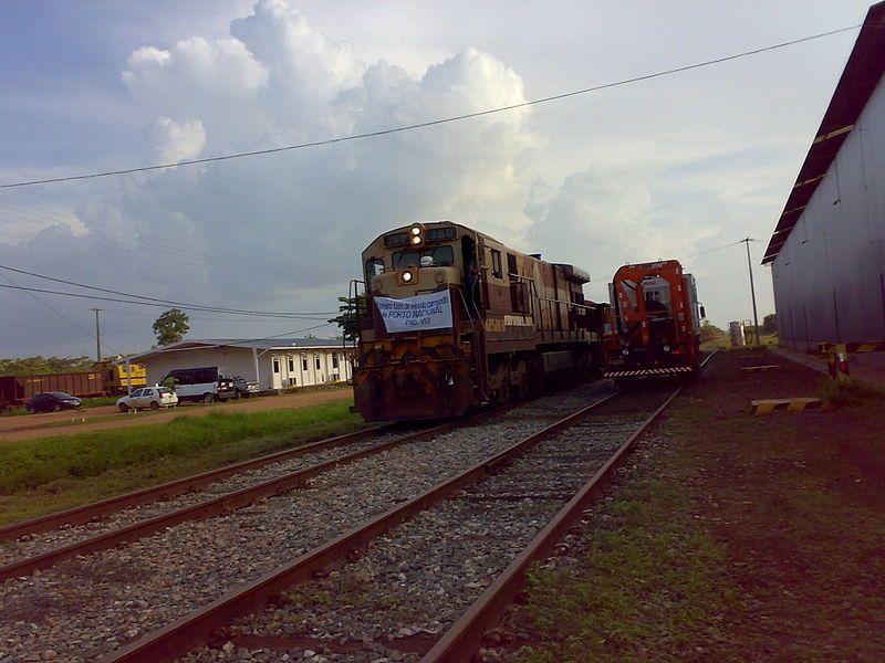 Trem de Minério da FNS - Locomotiva da Vale S.A. no Pátio Multimodal de Palmas/Porto Nacional (TO), situado na Ferrovia Norte-Sul.