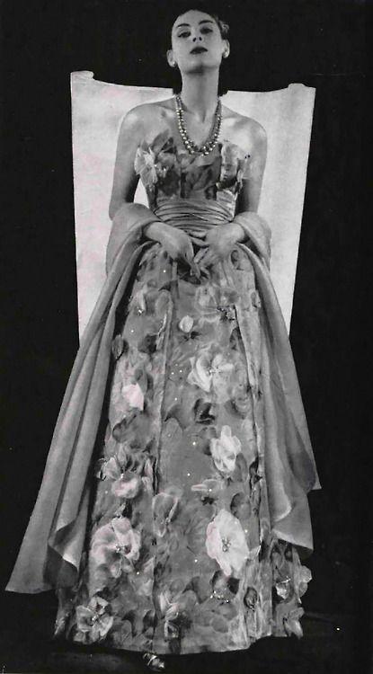 Jacques Fath dress 1952.