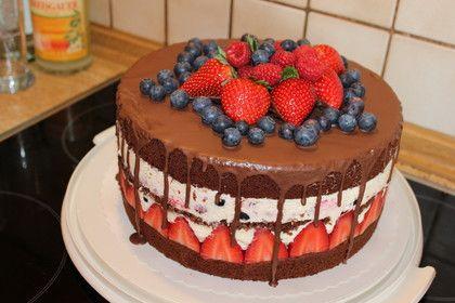 Schoko-Beeren-Torte mit Mascarponecreme von bakingjulia | Chefkoch