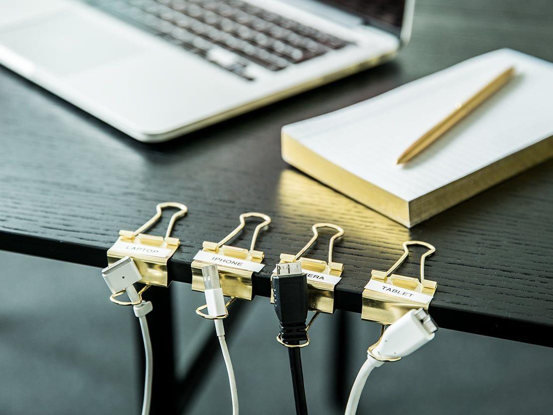 Como Organizar Y Ocultar Los Cables De Casa Ocultar Cables Organizador De Cables Organizacion De Cables