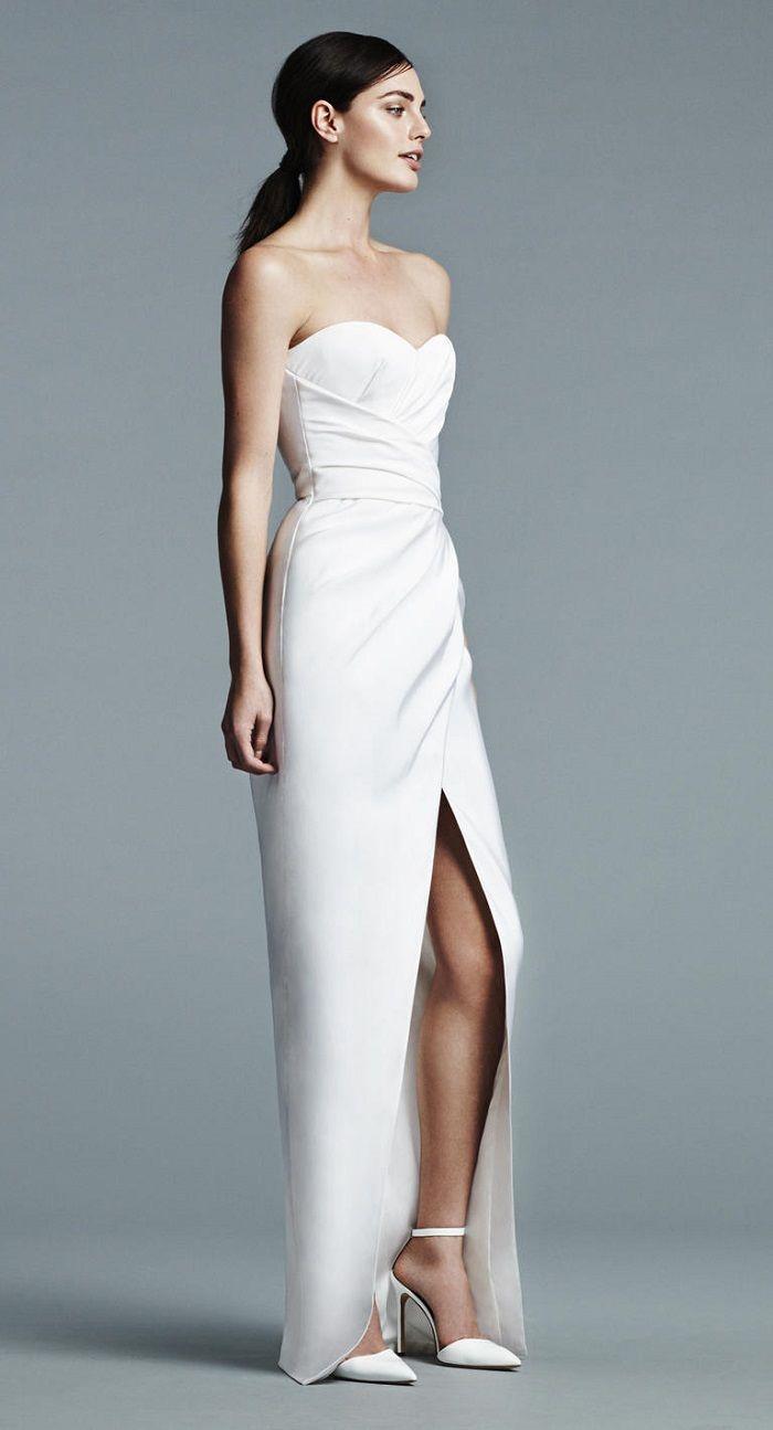 J Mendel Bridal Spring 2017 Wedding Dress | Strapless and plugin neckline wedding dress | itakeyou.co.uk #weddingdress #weddingdresses #wedding #strapless #weddingdresses2017 #bridalgown #weddinggown