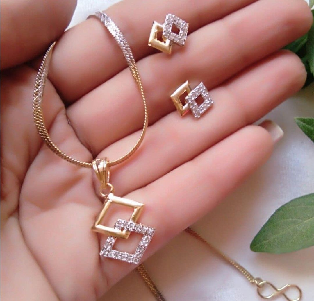 Saved by radha reddy garisa | Awsum jewellery | Pinterest | Pendants ...