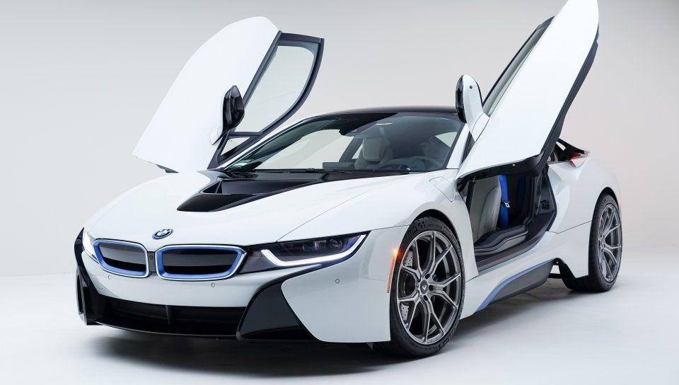 White Sports Car Doors Open Bmw I8 Wallpaper Cars Bmw I8 Bmw