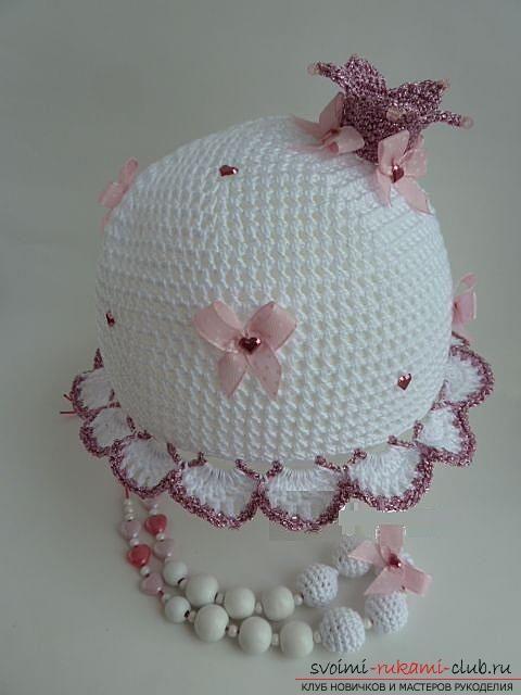 как связать летние красивые шапочки и панамки крючком для девочек и