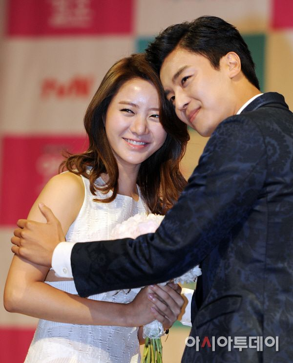 Love is in the air here are the confirmed celebrity Korean couples in