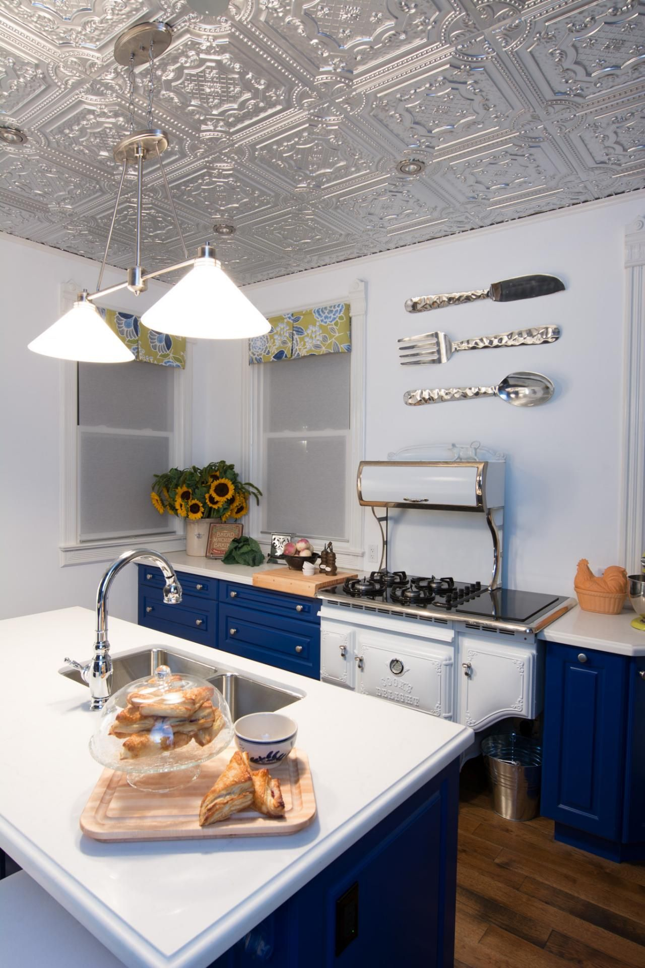 Nice This Small Kitchen Design By Hilary Farr Of HGTVu0027s Hit Show Love It Or List  It Makes The Most Of Its Space With A Unique Design.