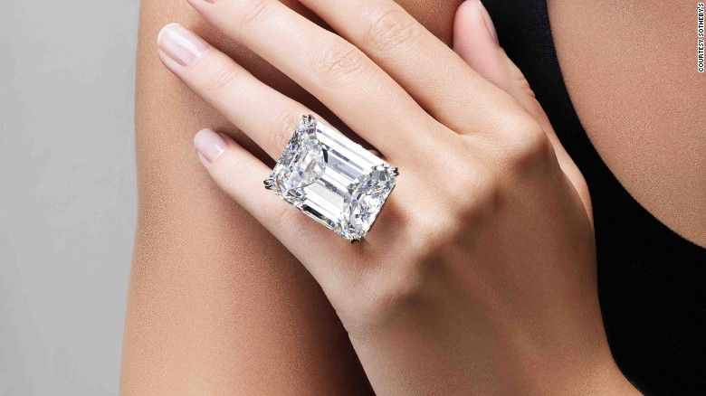 Sotheby S Perfect 100 Carat Diamond Could Fetch 25m Cnn Diamond Flawless Diamond Diamond Ring