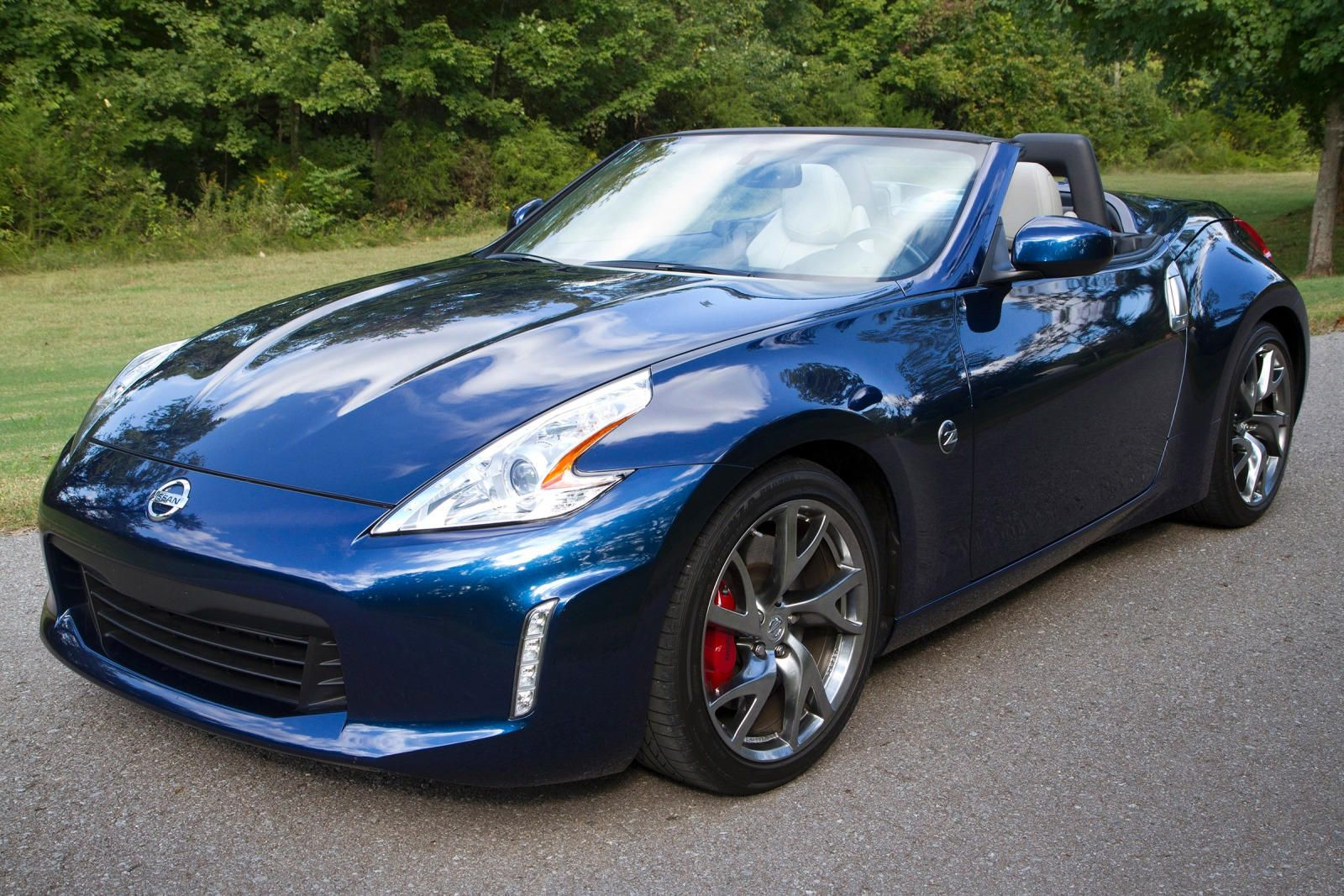Check out ⭐ the new Nissan 370Z Roadster ⭐ test drive