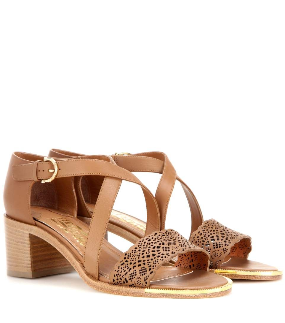SALVATORE FERRAGAMO Garissa Leather Sandals. #salvatoreferragamo #shoes #sandals