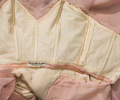 "interior of a vintage dior dress // ""madame dedal a look"