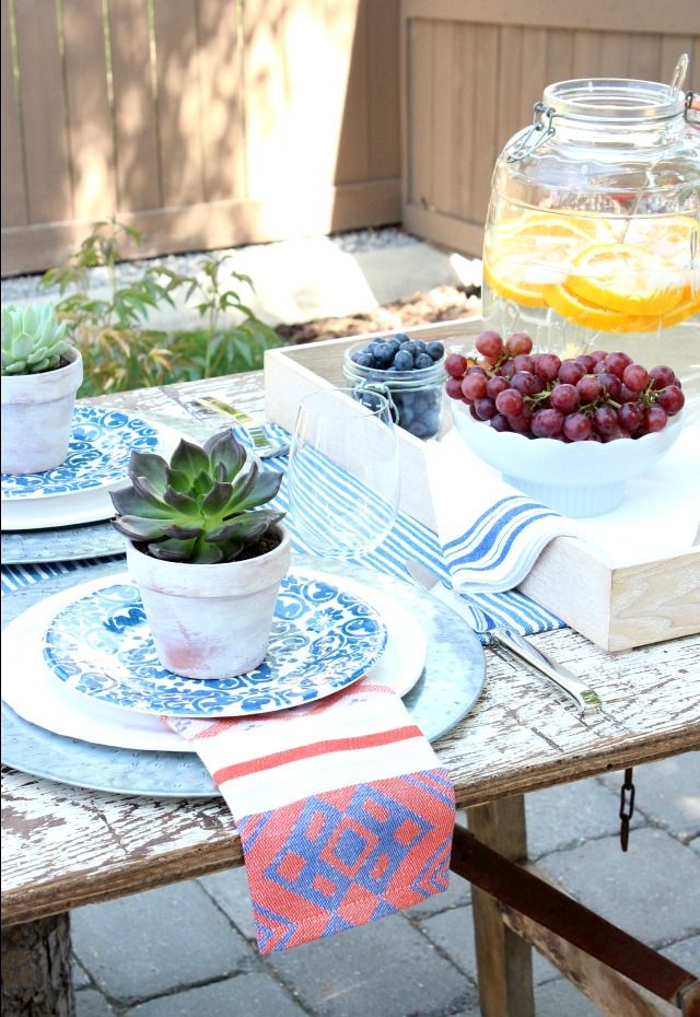 Flea Market Style Outdoor Table Setting | Outdoor table settings ...