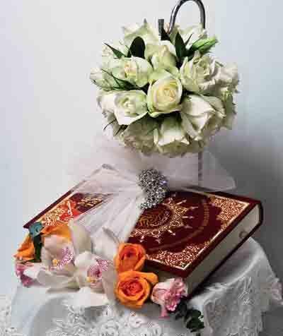 Tanda Ikhlas Untuk Kekasih Hati Melakar Kesempurnaan Gubahan Hantaran Turut Diganding Bersama Uman Bunga Segar