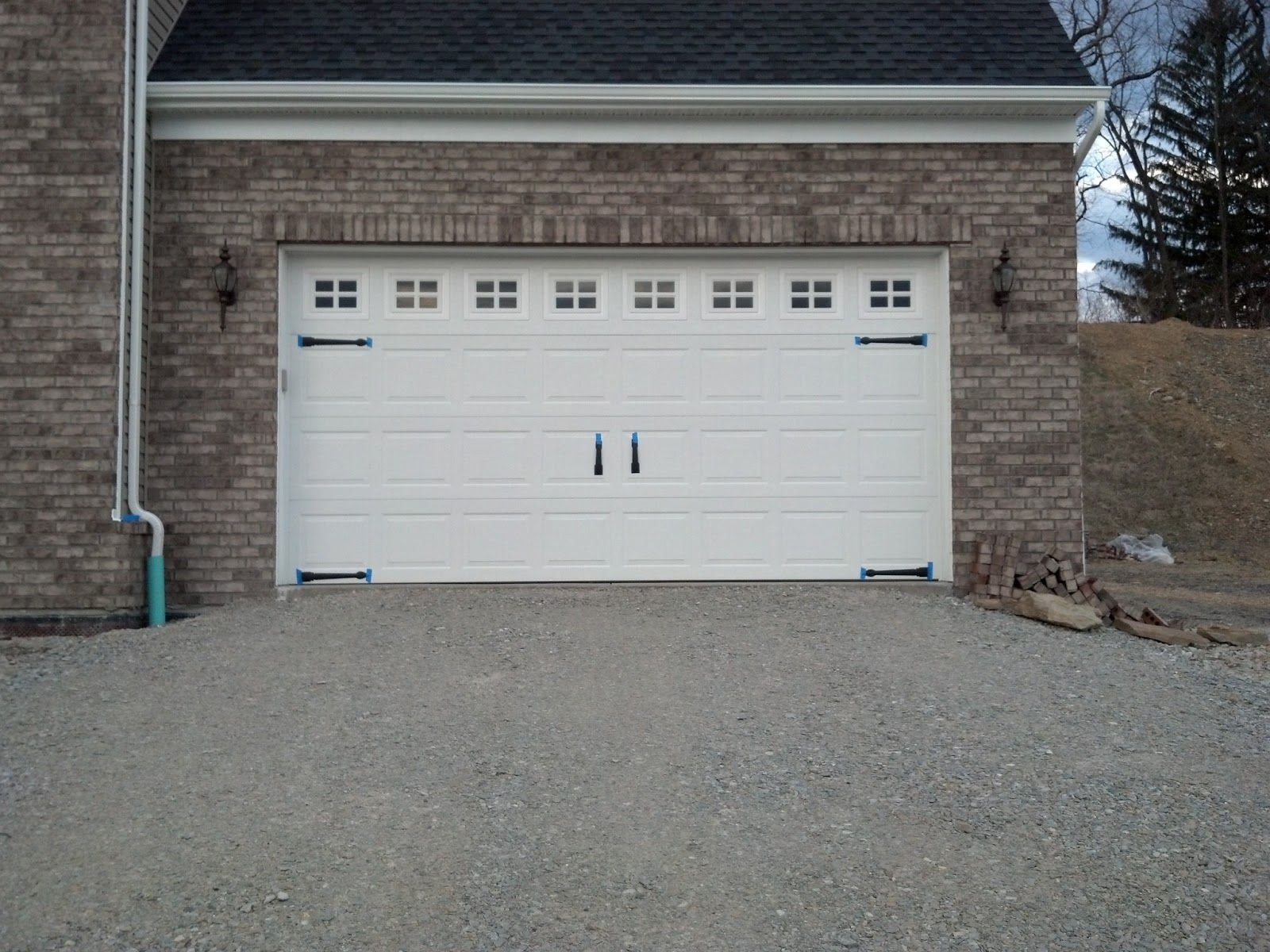 Garage Door Decorative Hardware When you need a new garage door for your home this is the place to get an idea of what you want. & Image result for metal garage door with decorative hardware ... pezcame.com