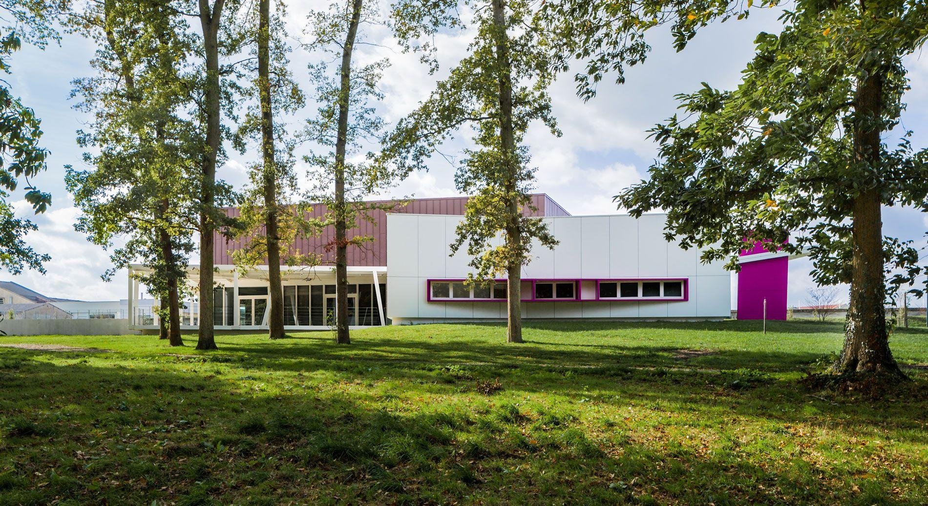 Salle multifonctions du Domaine des Loges - Parthenay (79) - Archi ...