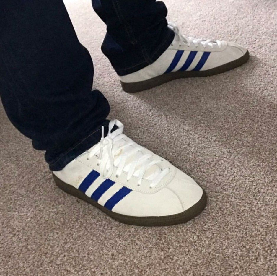 newest 95305 80fe8 Adidas Munchen on feet on the street