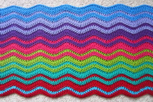 From Lucy\'s ripple blanket at Attic24. Beautiful! | tejidos ...