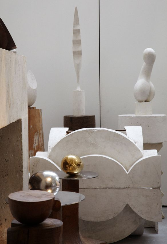 Constantin Brâncuși studio in Paris, photographed by Leslie Williamson. / Leslie Williamson