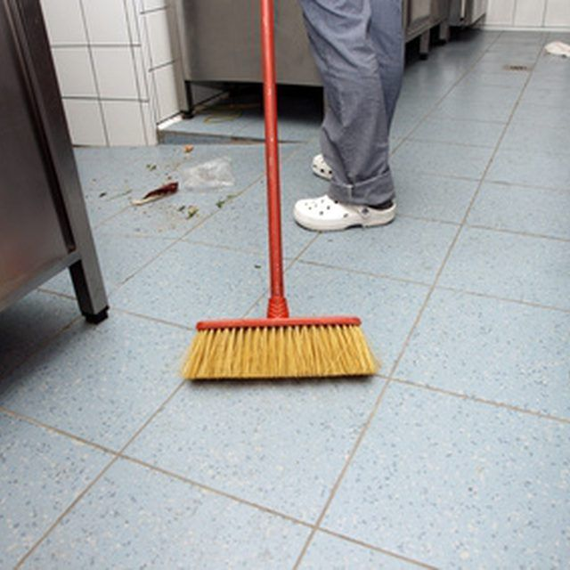 Can You Use Diluted Clorox Water To Clean Ceramic Floor Tile