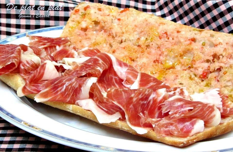 Entrepa de pernil amb pa i tomaquet