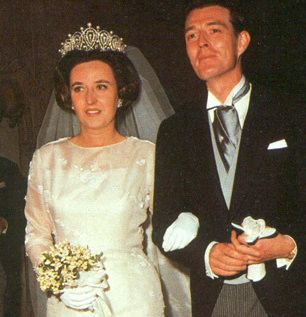 Mis Joyas Reales Tiara Rusa Casa Real De España Tiara Bodas Reales Vestidos De Novia