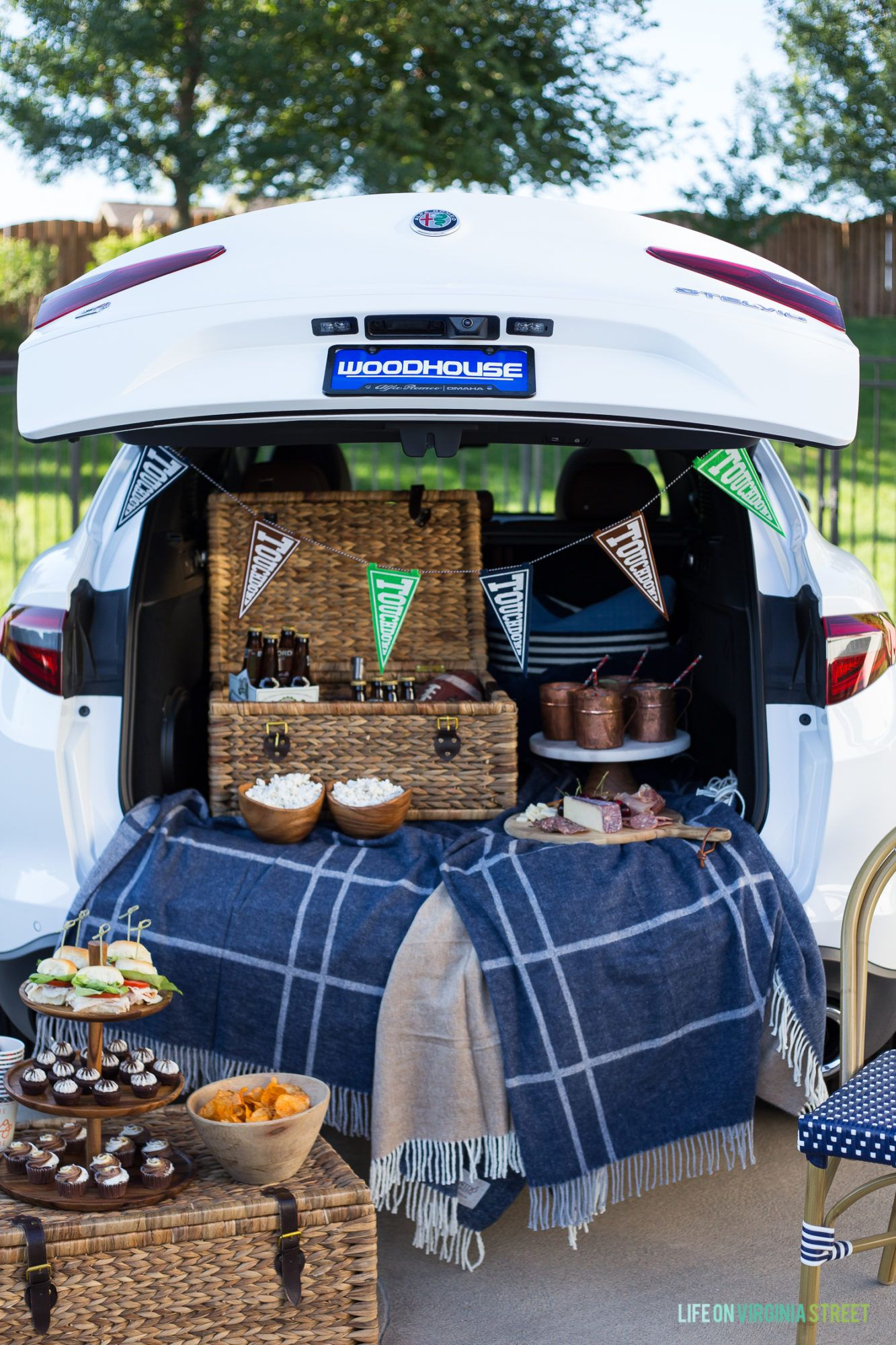 Pin by Tracy Killette on Tailgating ideas | Table