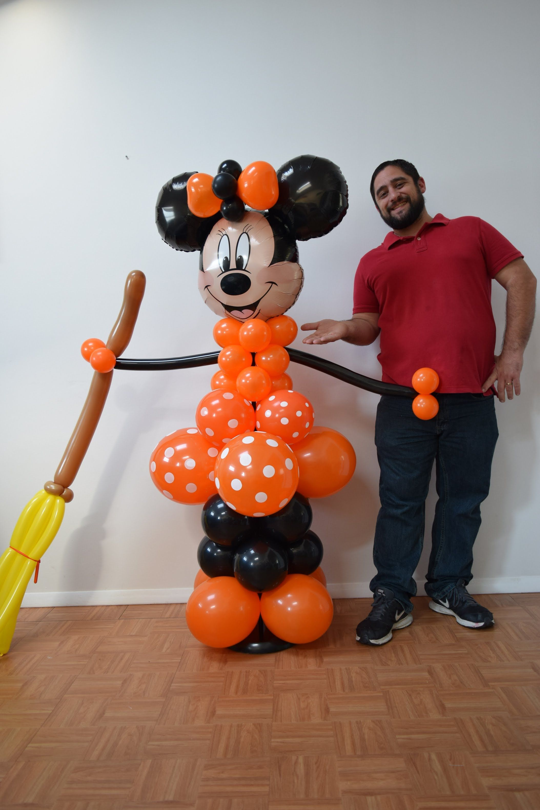 Halloween minnie mouse balloon column tutorial diy minnie for Balloon decoration for halloween