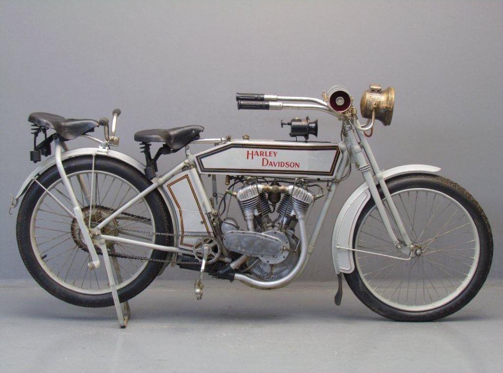 Harley Davidson 1928 28b 350cc 1 Cyl Sv: Harley Davidson 1913 9E 1000cc 2 Cyl Ioe