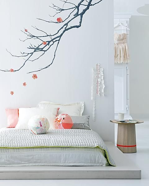 Japanese Bedroom Wallpaper Girls Bedroom Blinds Bedroom Decorating Colour Ideas Minion Bedroom Accessories: Japanese Bedroom With Photo Wallpaper And Peach-pink
