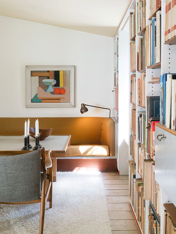 Living room minimal interior design Statement wall art and floor