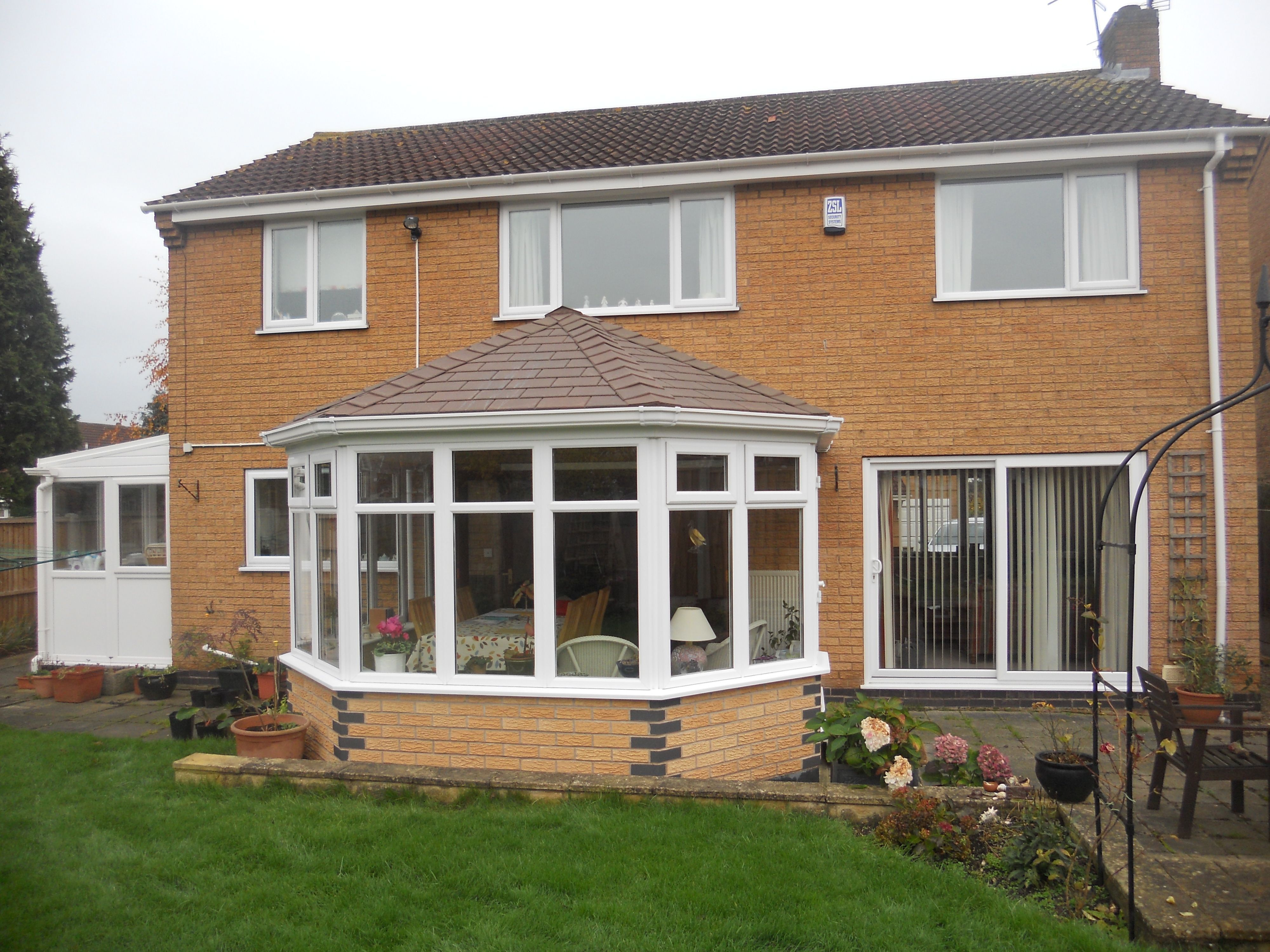 Pin By Abbey Burton Glass Ltd On Tiled Warm Roof System Warm Roof Roofing Systems Roof