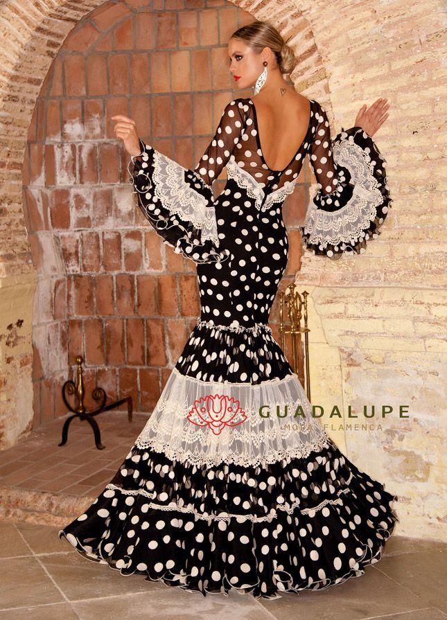 Trajes De Señoratrajes De Flamenco Señora Vestidos De Gitana El Albero Flamenco En 2021 Vestidos De Sevillanas Vestido De Gitana Vestidos De Flamenca