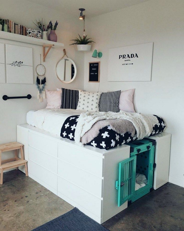 31 Small Bedroom Ideas That Are Look Stylishly Space Saving 00018 Home Alone Cool Dorm Rooms Dorm Room Designs Dorm Room Inspiration