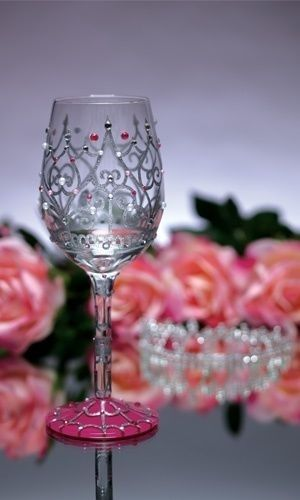 wine glass wine glasses pinterest glas gl ser bemalen und flaschen. Black Bedroom Furniture Sets. Home Design Ideas