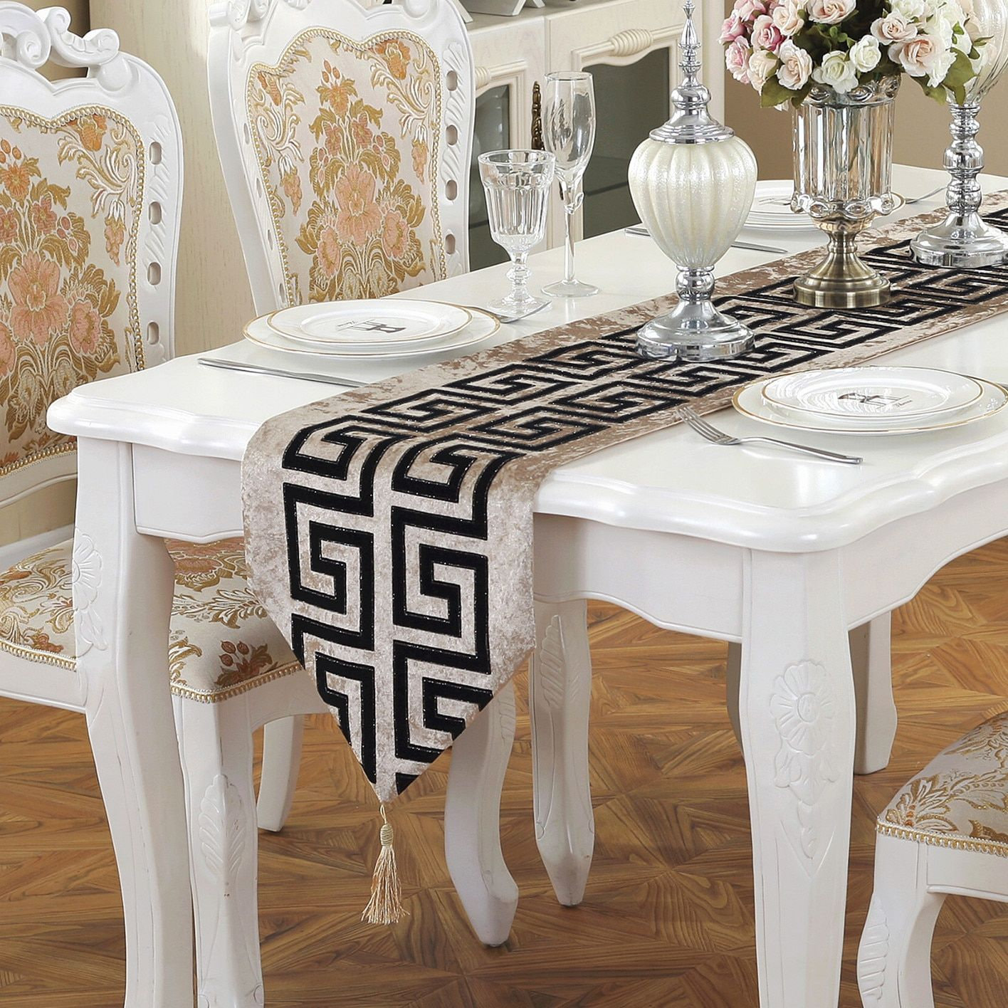 New Chinese Modern Simple Style Table Runner Classical Retro Black And White Red Tea Table Cloth Fashion Modern Table Runners Table Cloth Modern Wedding Decor [ 1416 x 1416 Pixel ]