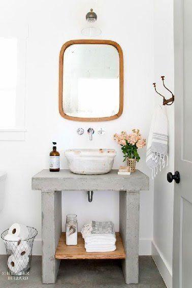 Un plan vasque sobre et élégant en béton brut et bois à faire soi