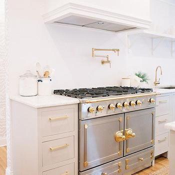 Best Gray Kitchen Cabinets With La Cornue Range Transitional 400 x 300