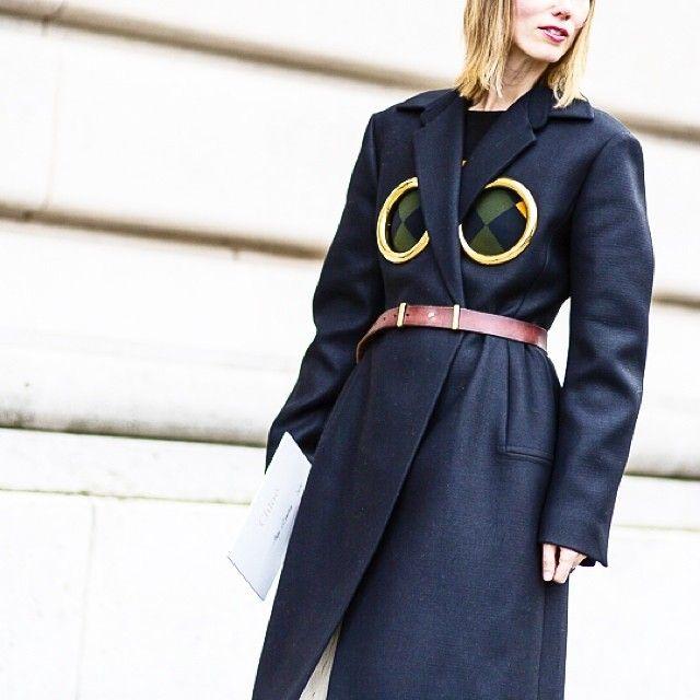 COAT DETAILS #emmetrend #fashionblogger #trend #details #coat #streetstyle #streetchic #fashionmoment #inspiration #styleblog
