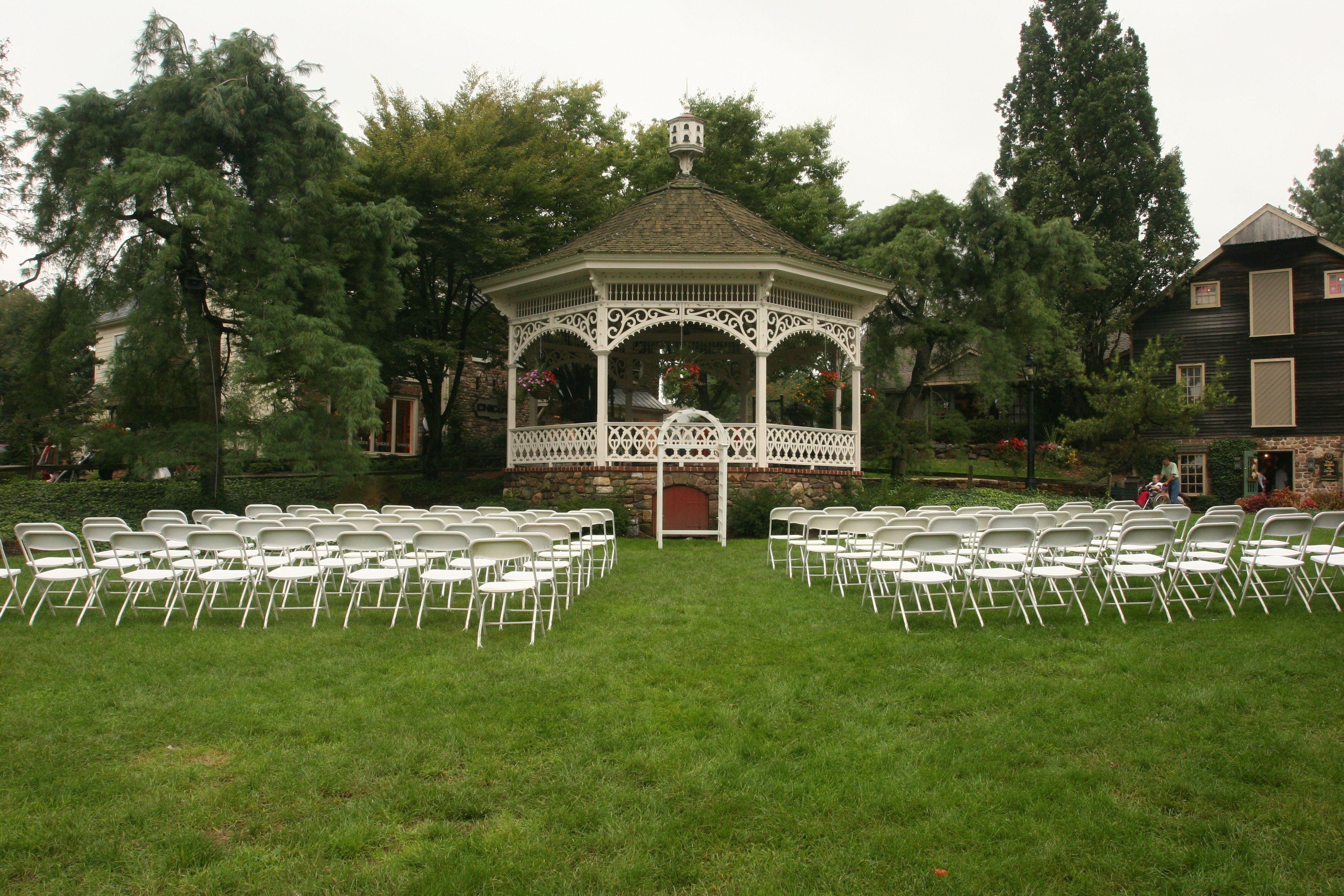 Peddler S Village We Re Everything But Ordinary Your Wedding Should Be Special And Something You Never Forget Let Our Talented Team Of Experts Help