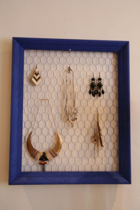 Fabriquer un porte-bijoux en grillage à poule Upcycled furniture