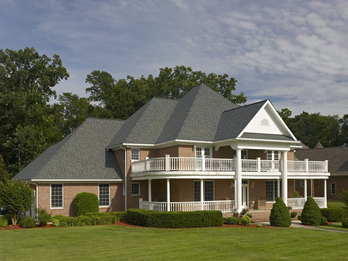 Best Landmark Designer Shingle In Colonial Slate Certainteed Residentialroofing Landmark In 2019 400 x 300