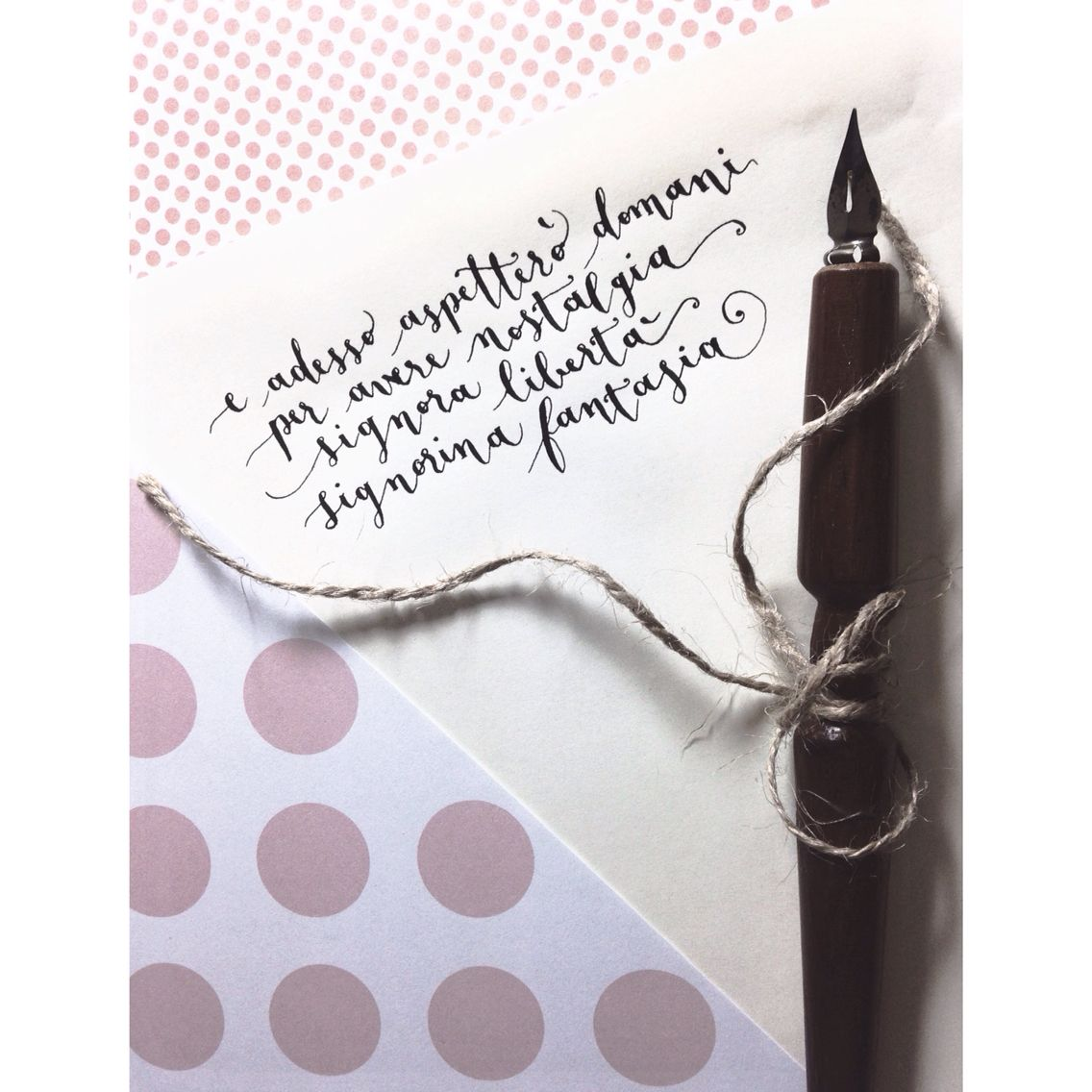 Così preziosa come il vino, così gratis come la tristezza.. Con la tua nuvola di dubbi, e di bellezza.  ❤️  #calligraphy #song #words #coursive #ink #paper