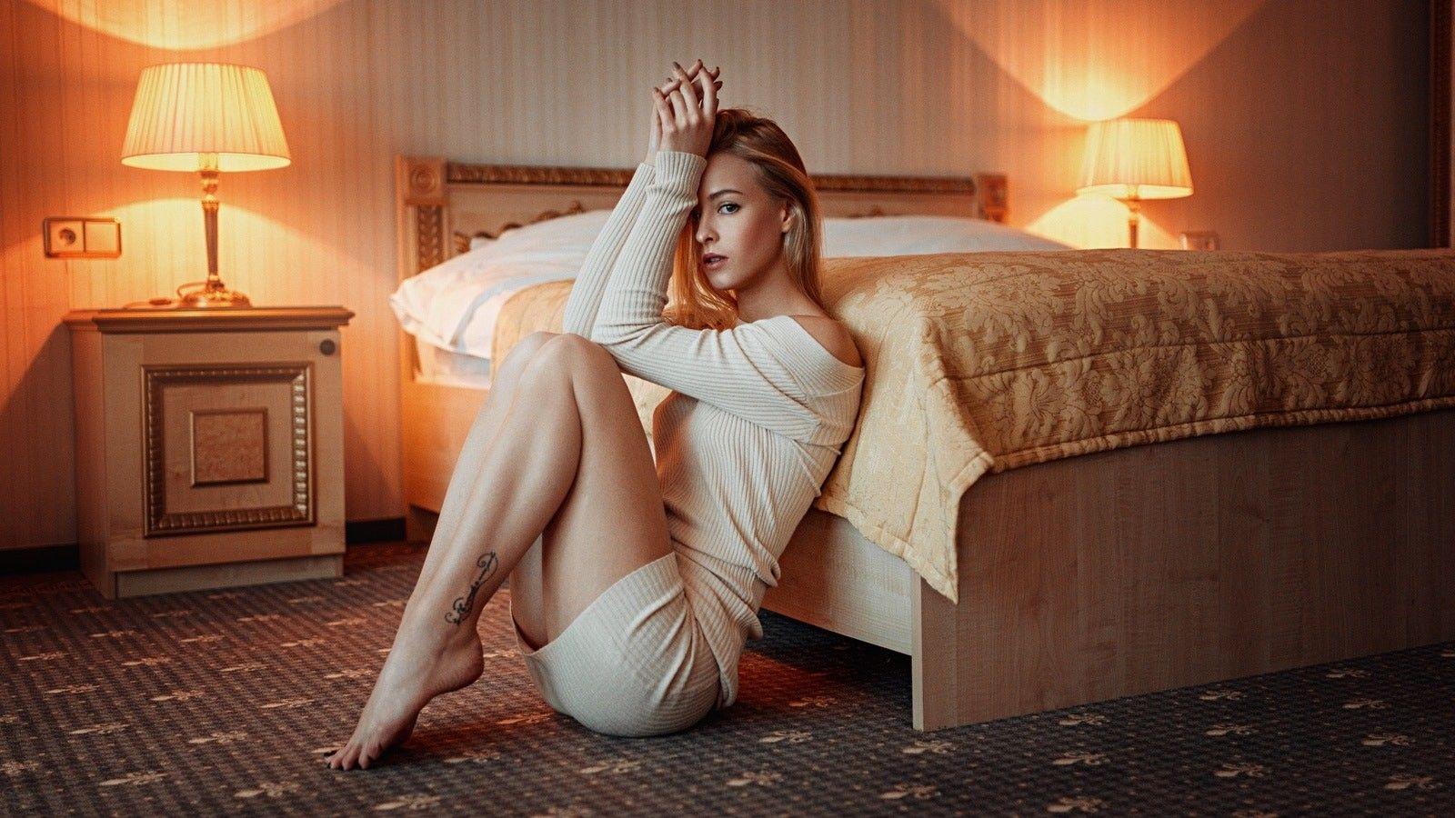 women, blonde, ass, long hair, sitting, legs, Georgy
