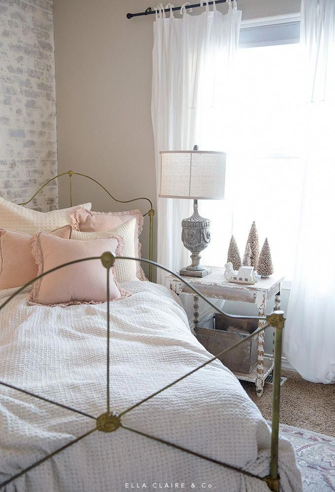 I sweet blush and cream little girl's room all decked out ...