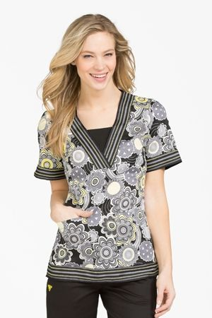"""Med Couture Betsey Print Top in """"Spiraling Rays"""" #medcouturescrubshop"""