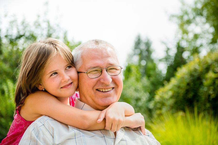 Nuestros mayores se convierten en personas más dependientes y necesitan  cuidados preventivos para evitar accidentes en