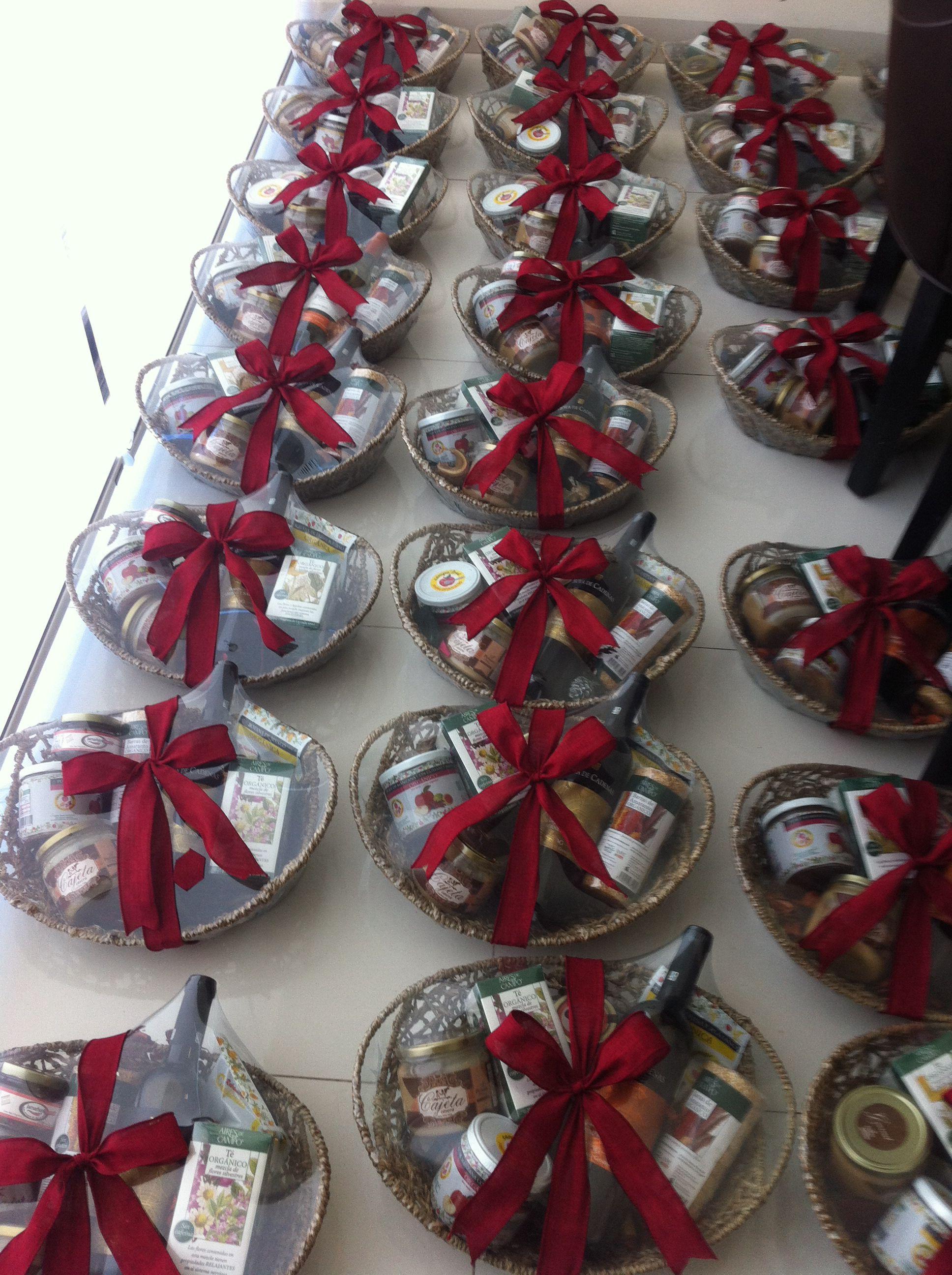 8803e3e17ce75 Producción de regalos navideños